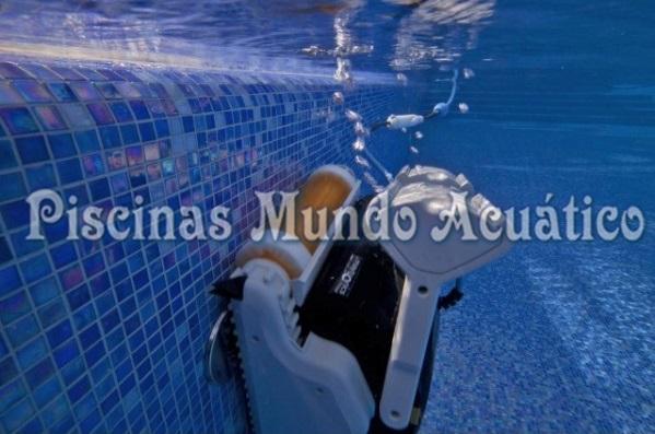 Limpiafondos dolphin explorer for Limpia piscinas automatico